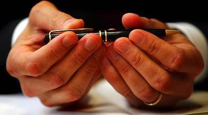 pen-signing.jpg